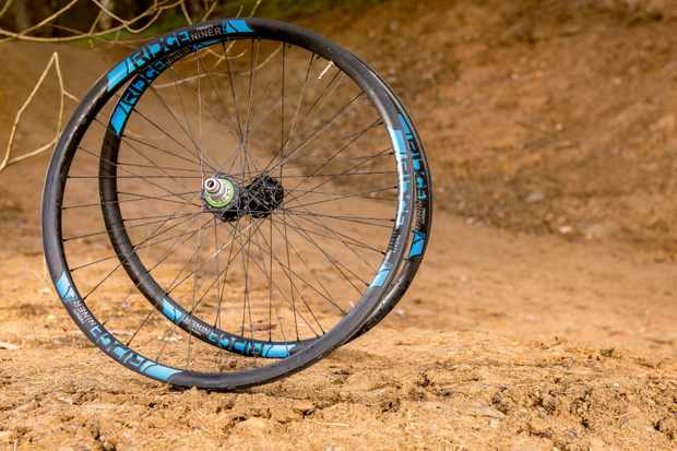 Ridge Components' Twenty Niner Pro wheels are solid carbon-rimmed wheels with a good balance of strength and stiffness