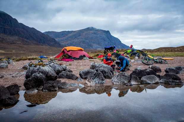 Joe Flanagan and Ali Parkin camp by a loch in Scotland