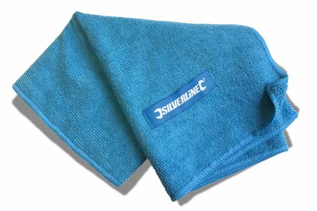 Our free cover gift this month a Silverline micro-fibre cloth. Photo: MBUK